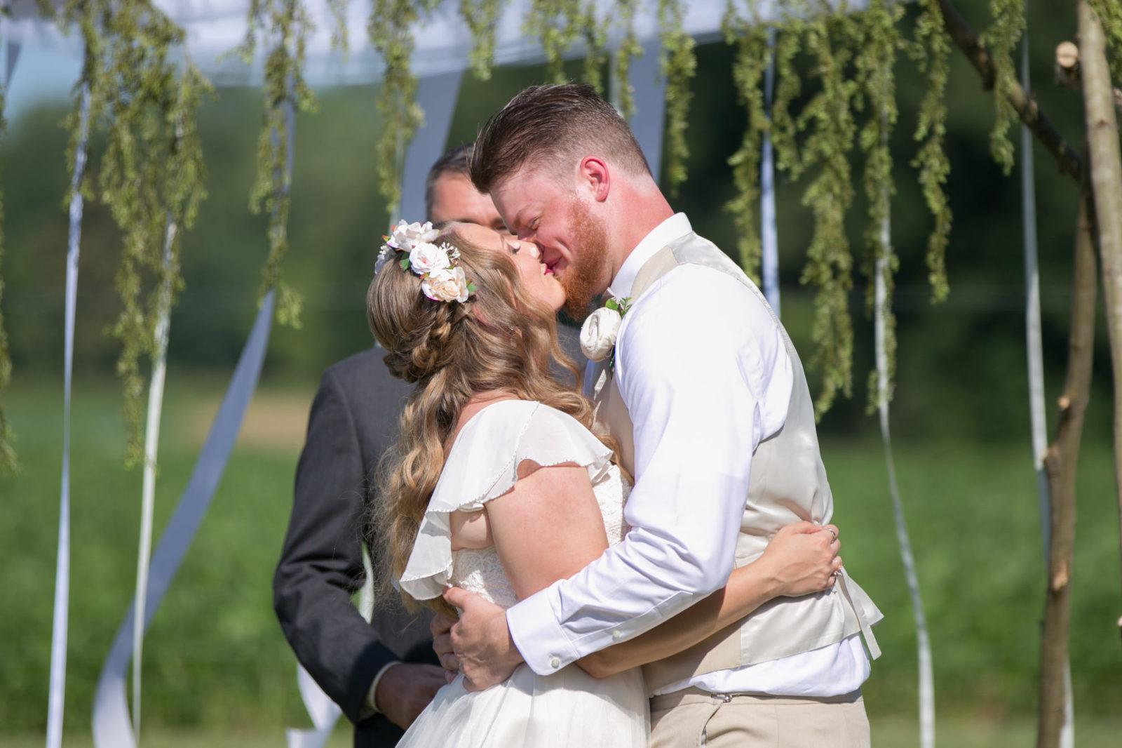 Michigan Wedding - Outdoor wedding - Backyard wedding - Ohio Wedding - Toledo Wedding